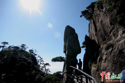 三清山,婺源等江西著名旅游风景区也成功地带动了上饶的旅游